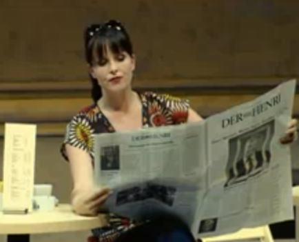 Bühnensketch zum Thema Zeitung - Wie geil ist das denn?! (Bild: YouTube/kaetzmager1)