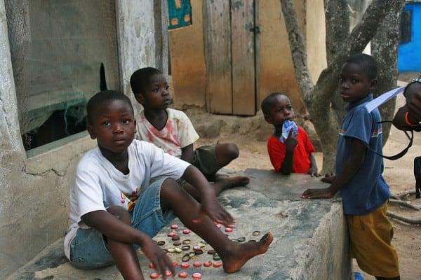 Die Kinder in Buduburam kennen nichts anderes als das Flüchtlingslager (Bild: eigenes)