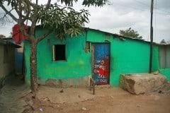 Keine weißen Zelte, sondern richtige Häuser, wenn auch sehr dürftig (Bild: eigenes)
