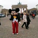 Asylbewerber 01 - Selten war Mickey so deplatziert wie hier (Bild: Thilo Tiede)