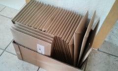 Eine der zahlreichen Kartons gefüllt mit eingepackten SHIFT-Exemplaren